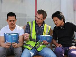 Bibles to sustain seafarers' faith