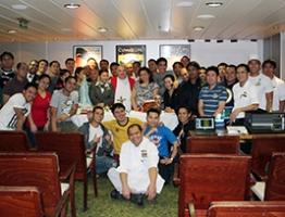 AoS cruise chaplain sails on QM2