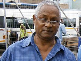 AoS Mauritius helps crew whose ship ran aground