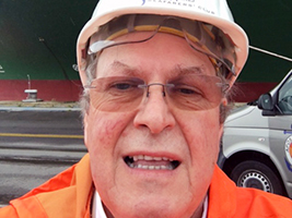 Grounded ship crew supported in Antwerp