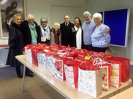 Christmas gift wrapping in St Austell
