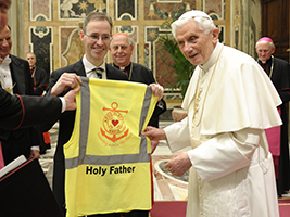 Pope Benedict gets his official AoS Hi-Vis
